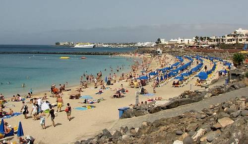 Lanzarote Kanariansaaret source:http://www.flickr.com/photos/robby_van_moor/4834506663/