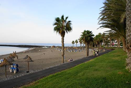 Playa De Las Americas Teneriffa source:http://www.flickr.com/photos/michelsakr/1932763193/